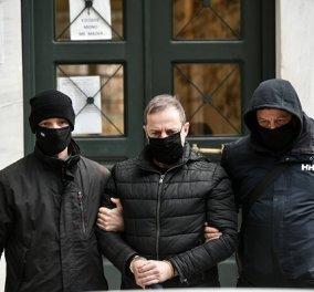 Δημήτρης Λιγνάδης: Ζήτησε προθεσμία να απολογηθεί - Αντιμετωπίζει την κατηγορία του βιασμού κατά συρροή - Κυρίως Φωτογραφία - Gallery - Video