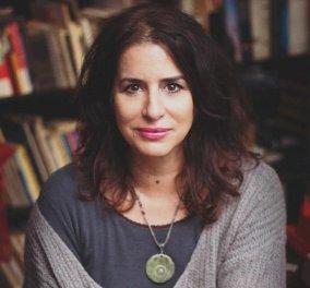 """Κατερίνα Μπέη στο eirinika: """"Μετά τον κορονοϊό  θα ζήσουμε ένα νέο Γούντστοκ"""" - Η σεναριογράφος της """"Ευτυχίας"""" μιλά για τα """"καλύτερα της χρόνια"""" - για όλους & για όλα  - Κυρίως Φωτογραφία - Gallery - Video"""