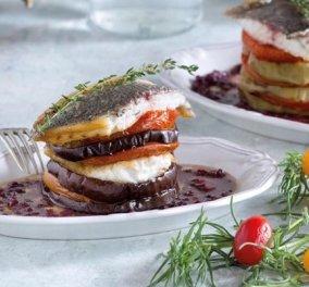 Αυτό είναι πιάτο! Η Ντίνα Νικολάου φτιάχνει μιλφέιγ τσιπούρας με μελιτζάνα, πάστα ελιάς και ντομάτες - Κυρίως Φωτογραφία - Gallery - Video