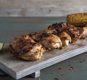 Άκης Πετρετζίκης: Κοτόπουλο φιλέτο ψητό με τσίλι και λάιμ - Τέτοιο πιάτο δεν ξανά δοκιμάσατε  - Κυρίως Φωτογραφία - Gallery - Video