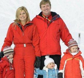 Όταν η βασίλισσα Μάξιμα πήγαινε για σκι στην Αυστρία: Άψογο στυλ με κόκκινη φόρμα - Ασορτί με τον σύζυγό της & την πριγκίπισσα Αλεξία (φωτό) - Κυρίως Φωτογραφία - Gallery - Video