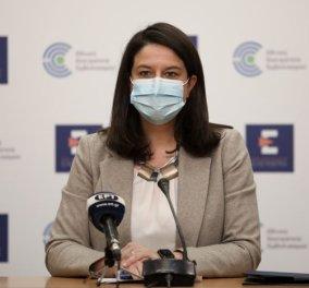 Επίθεση με μπογιές στο Action 24 και στο γραφείο της Νίκης Κεραμέως -  ''Δεν πτοούμαστε, δεν εκβιαζόμαστε'', λέει η Υπουργός Παιδείας (φωτό) - Κυρίως Φωτογραφία - Gallery - Video