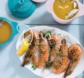 Κακαβιά με γαρίδες: Η Ντίνα Νικολάου βάζει το Αιγαίο στο πιάτο μας & ο Dr Δημήτρης Γρηγοράκης ενθουσιάζεται με τη συνταγή - Κυρίως Φωτογραφία - Gallery - Video
