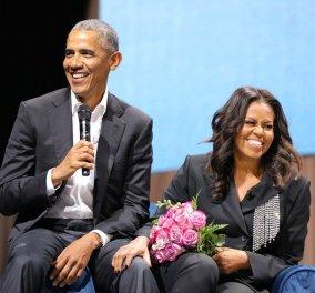 Μπαράκ - Μισέλ Ομπάμα: Διακριτικός και σικ ο εορτασμός του Αγίου Βαλεντίνου από το πρώην προεδρικό ζευγάρι των ΗΠΑ - Κυρίως Φωτογραφία - Gallery - Video