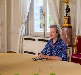 Mε κίτρινο, καναρινί σύνολο η βασίλισσα Mατθίλδη του Βελγίου  - Το τοπ χρώμα της σεζόν (φωτό) - Κυρίως Φωτογραφία - Gallery - Video