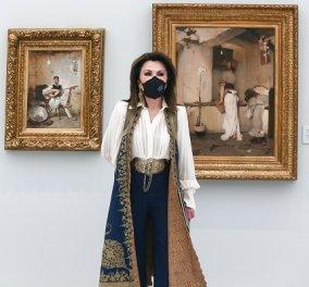 Η σπουδαία αρθρογράφος Ρέα Βιτάλη περιγράφει τις δύο μέρες πλήρεις Ελλάδας - Το «Parakalo Nikos», η πόρπη της Γιάννας, ο Λαζάρου - Κυρίως Φωτογραφία - Gallery - Video