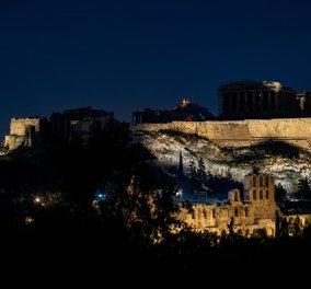 Η Ώρα της Γης: Εικόνες από το Προεδρικό Μέγαρο, την Ακρόπολη, την Βουλή - Έσβησαν τα φώτα για την προστασία της φύσης (βίντεο) - Κυρίως Φωτογραφία - Gallery - Video