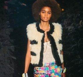 Μοντέρνα και σοφιστικέ: Με τη νέα κολεξιόν της Chanel δεν βιαζόμαστε για το καλοκαίρι - Απίθανα tweed σακάκια και παλτό (φωτό & βίντεο) - Κυρίως Φωτογραφία - Gallery - Video