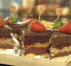 Γλυκό κλαμπ σάντουιτς από τον Στέλιο Παρλιάρο - Έκρηξη γεύσεων!  - Κυρίως Φωτογραφία - Gallery - Video