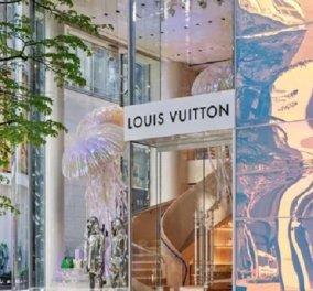 Μέσα στην ανακαινισμένη μπουτίκ του Louis Vuitton στο Τόκιο: Το υπερμοντέρνο κτίριο, η γιγάντια τσούχτρα (φωτό) - Κυρίως Φωτογραφία - Gallery - Video