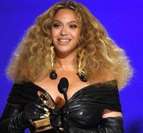 Γυναικεία υπόθεση τα Grammys 2021: Beyoncé και Taylor Swift έγραψαν ιστορία - Οι μεγάλοι νικητές (φωτό & βίντεο) - Κυρίως Φωτογραφία - Gallery - Video