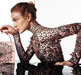 Η μόδα υποκλίνεται στην genius Ελληνίδα σχεδιάστρια Μαίρη Κατράντζου: Όλη η συλλογή με τις τσάντες & το εμβληματικό φίδι του Bulgari (φωτό) - Κυρίως Φωτογραφία - Gallery - Video