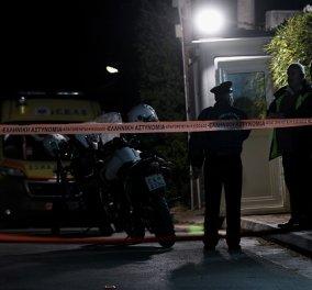 Το βίντεο με τους πυροβολισμούς αγνώστου έξω από το σπίτι του Μένιου Φουρθιώτη - Η στιγμή που ρίχνει με το καλάσνικοφ - Κυρίως Φωτογραφία - Gallery - Video