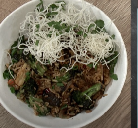 Ο Άκης Πετρετζίκης σε εκπληκτικό πιάτο - Stir fry λαχανικών με καστανό ρύζι (βίντεο) - Κυρίως Φωτογραφία - Gallery - Video
