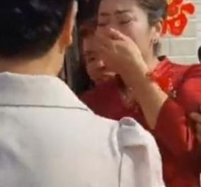 Παγκόσμια συγκίνηση για την Κινέζα πεθερά που κατάλαβε ότι η νύφη της ήταν η κόρη της  - Παντρευόταν τον θετό γιο της (φωτό) - Κυρίως Φωτογραφία - Gallery - Video