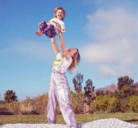 """Γλύκα! - Η Kate Hudson με την κορούλα της στη μπανιέρα - Θα """"λιώσετε"""" (φώτο) - Κυρίως Φωτογραφία - Gallery - Video"""