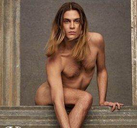 Σάλος με την καμπάνια του Valentino: Άντρες που μοιάζουν με γυναίκες, τρανς ή γκέι κρατούν τσάντες, φορούν σορτς, έχουν τρίχες στο στήθος (φωτό) - Κυρίως Φωτογραφία - Gallery - Video