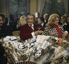 Σπάνιες  Vintage Pics: Η Μελίνα  με τον Salvador Dali &  τον Vittorio De Sica - Μαζί τους στο μαγικό τραπέζι βεντάλια ο γόης Pierre Brasseur  - Κυρίως Φωτογραφία - Gallery - Video