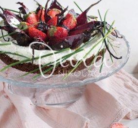 Cheesecake με ψητά παντζάρια & φράουλες - Εκρηκτικός συνδυασμός γεύσεων στο τέλειο ορεκτικό της Ντίνας Νικολάου  - Κυρίως Φωτογραφία - Gallery - Video