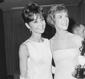 Vintage pics: Η Julie Andrews & η Audrey Hepburn στα παρασκήνια των Όσκαρ -  Ο πρωταγωνιστικός ρόλος στο «My Fair Lady» & το βραβείο που πήγε στη «Mary Poppins» - Κυρίως Φωτογραφία - Gallery - Video
