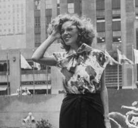 Vintage Pics: Μεταπολεμική Νέα Υόρκη & τα όμορφα κορίτσια της πόλης ποζάρουν μπροστά στο Rockefeller Center- Μοντέρνες - στυλάτες - υπέροχες!  - Κυρίως Φωτογραφία - Gallery - Video