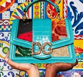 Ένα όνειρο οι τσάντες του Dolce & Gabbana - Πολύχρωμα ζωηρά υφάσματα, denim και χρυσές αλυσίδες (φωτό) - Κυρίως Φωτογραφία - Gallery - Video