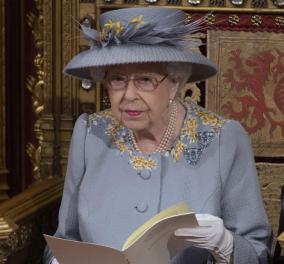 Ο έξυπνος τρόπος της βασίλισσας Ελισάβετ να αποφεύγει τις δηλητηριάσεις - Yπηρέτης επιλέγει τυχαία ένα από τα πιάτα που θα σερβιριστούν στην Αυτού Μεγαλειότητα  - Κυρίως Φωτογραφία - Gallery - Video