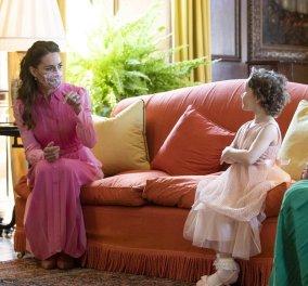 Η Κέιτ Μίντλετον συνάντησε την 5χρονη Μίλα που πάσχει από λευχαιμία - Έλαμπε στα ροζ η Δούκισσα (φωτό - βίντεο) - Κυρίως Φωτογραφία - Gallery - Video