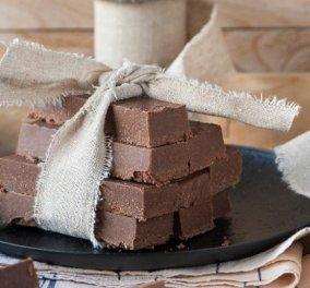 Μπάρες με ταχίνι και σοκολάτα από τον Στέλιο Παρλιάρο: Ένα θρεπτικό και υγιεινό γλύκισμα, χωρίς ίχνος ζωικών λιπαρών - Κυρίως Φωτογραφία - Gallery - Video