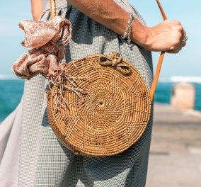 Οι τσάντες που θα πάρουμε φέτος μαζί μας στην παραλία: Με δίχτυ, ψάθινες ή tote - έχουν στυλ και τα χωράνε όλα (φωτό) - Κυρίως Φωτογραφία - Gallery - Video
