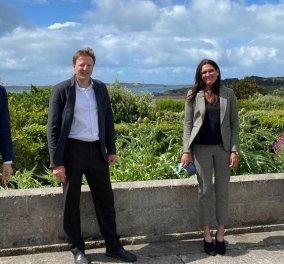"""Ροζ σκάνδαλο μεγατόνων  στη Βρετανία:  Η κρυφή σχέση του υπουργού υγείας με την εκατομμυριούχο βοηθό του & τα """"έκτροπα"""" στο ιδιαίτερο γραφείο - Ζητούν την παραίτηση του  (φώτο) - Κυρίως Φωτογραφία - Gallery - Video"""