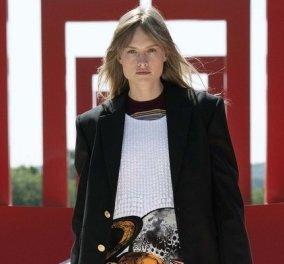 Η Cruise collection του Louis Vuitton είναι μια χίμαιρα: Την παρουσίασε στο Axe Majeur, κοντά στο Παρίσι - Οι φουτουριστικές δημιουργίες (φωτό & βίντεο) - Κυρίως Φωτογραφία - Gallery - Video