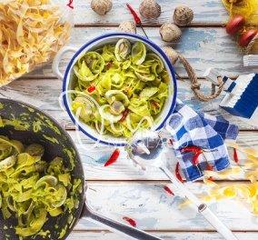 Ντίνα Νικολάου: Χυλοπίτες alle vongole με πέστο μαϊντανού και τσίλι - Μια απόλυτα καλοκαιρινή συνταγή που μυρίζει «θάλασσα»! - Κυρίως Φωτογραφία - Gallery - Video
