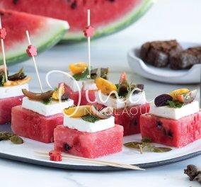 Η Ντίνα Νικολάου προτείνει: Καρπούζι με φέτα, κάπαρη και ντομάτα - Μια εύκολη & δροσερή μπουκίτσα που μπορείτε να σερβίρετε με κοκτέιλ - Κυρίως Φωτογραφία - Gallery - Video