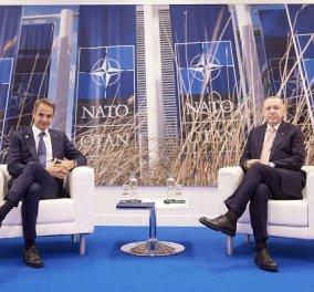 Σε θετικό κλίμα η συνάντηση Μητσοτάκη - Ερντογάν: Συμφώνησαν «να αφήσουν πίσω τους την ένταση του 2020» (βίντεο) - Κυρίως Φωτογραφία - Gallery - Video