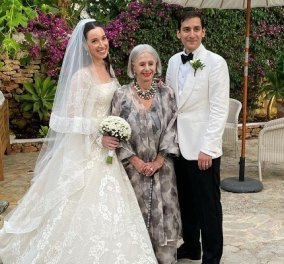 Η κληρονόμος του οίκου Fendi παντρεύτηκε τον νεαρό Aram Ahmed: Το νυφικό ήταν Valentino - με μωβ λουλούδια & Dj ο πολυτελής γάμος (φωτό) - Κυρίως Φωτογραφία - Gallery - Video