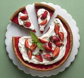 Άκης Πετρετζίκης: Αυτή η τάρτα φράουλας θα σας πάρει τα μυαλά - Τέλειο καλοκαιρινό γλυκό  - Κυρίως Φωτογραφία - Gallery - Video