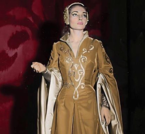 Moνο στο eirinika: Η Μαρία Κάλλας στο παλάτι της θλιμμένης Πριγκίπισσας Σίσσυς- Έκθεση στο Αχίλλειο με 8 κουστούμια από τις Όπερες της La Scala (φωτό)  - Κυρίως Φωτογραφία - Gallery - Video