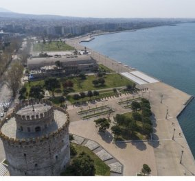 Θεσσαλονίκη: Ισόβια για την 55χρονη που σκότωσε με τηγάνι τον πρώην πεθερό της - Μετά τον έριξε στην σκάλα (βίντεο) - Κυρίως Φωτογραφία - Gallery - Video