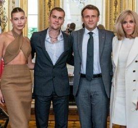Αγνώριστος ο Justin Bieber με κοστούμι, με την κοιλίτσα έξω η γυναίκα του σε επίσημη συνάντηση με το ζεύγος Macron - Γιατί Brigitte έβαλες παλτό; (φωτό) - Κυρίως Φωτογραφία - Gallery - Video