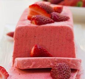 Στέλιος Παρλιάρος: Έτσι θα φτιάξουμε παρφέ φράουλας - Ένα αφράτο και πανεύκολο γλύκισμα για τις ζεστές ημέρες - Κυρίως Φωτογραφία - Gallery - Video