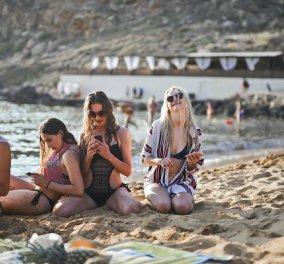 COSMOTE: Καλοκαίρι με απεριόριστα data στο κινητό για όλους - Φέτος εργαζόμαστε και ψυχαγωγούμαστε από παντού!  - Κυρίως Φωτογραφία - Gallery - Video