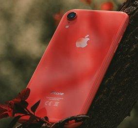 Αποζημίωση εκατομμυρίων έδωσε η Apple σε μια γυναίκα: Πήγε το iphone για επισκευή και οι τεχνικοί ανέβασαν γυμνές φωτό & βίντεο σε Facebook  - Κυρίως Φωτογραφία - Gallery - Video