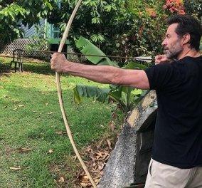 Ο Hugh Jackman πήρε το τόξο του! Ποιον θα κυνηγήσει ο γοητευτικός ηθοποιός; Πάντως την καρύδα την «καθάρισε» με το ματσέτε του! (φωτό) - Κυρίως Φωτογραφία - Gallery - Video