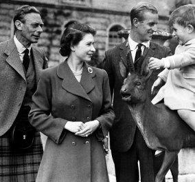 Όλοι οι μπαμπάδες μαζί: Η σπάνια φωτό της βασίλισσας Ελισάβετ με τον πατέρα της βασιλιά Γεώργιο ΣΤ, τον πρίγκιπα Φίλιππο & τον μικρό τότε Κάρολο - Κυρίως Φωτογραφία - Gallery - Video