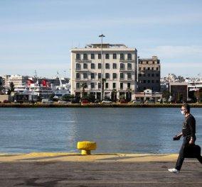 Τραγωδία στο λιμάνι του Πειραιά: Αυτοκίνητο έπεσε στη θάλασσα - Νεκρός ανασύρθηκε ο οδηγός (βίντεο) - Κυρίως Φωτογραφία - Gallery - Video