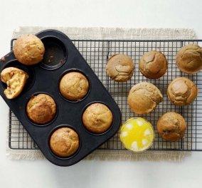 Αργυρώ Μπαρμπαρίγου: Αλμυρά Muffins με ελιές και αλεύρι ολικής άλεσης - Υπέροχη γεύση  - Κυρίως Φωτογραφία - Gallery - Video