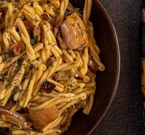 Ο Γιάννης Λουκάκος δημιουργεί ένα πιάτο που θα σας τρελάνει - Πλεξούδες με μαγειρευτό κοτόπουλο, μανιτάρια & λάδι τρούφας - Κυρίως Φωτογραφία - Gallery - Video