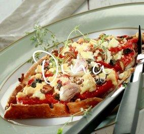 Η Ντίνα Νικολάου προτείνει: Ντοματόπιτα ανοιχτή με ελιές - βήμα, βήμα η λαχταριστή, καλοκαιρινή συνταγή της σεφ - Κυρίως Φωτογραφία - Gallery - Video