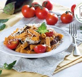 Μια γευστική πρόταση από τη Ντίνα Νικολάου: Ριγκατόνι Alla Norma - ένα ελαφρύ πιάτο με πλούσια διατροφική αξία - Κυρίως Φωτογραφία - Gallery - Video